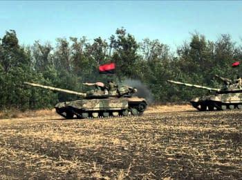 """Полкові тренування танкістів """"Азову"""""""