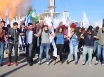 Теракт під час антивоєнної демонстрації в Туреччині