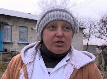 Військові та волонтери відновлюють лікарню у Луганському