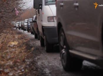 Майорськ: життя в чергах і загроза обстрілів