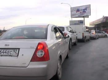Queues for petrol in Crimea