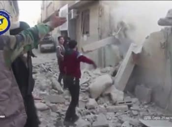 Последствия авиаударов России на севере Сирии (видео очевидцев)