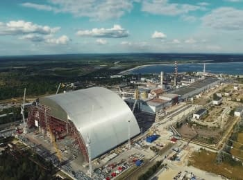 Construction of sarcophagus over the Chernobyl Nuclear Power Plant (footage from the drone)