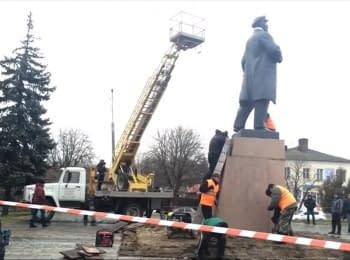 В Глухове демонтировали памятник Ленину