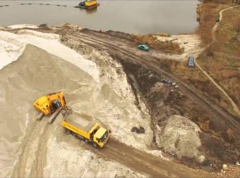 Нелегальные песчаные карьеры Киевской области (съемка с беспилотника)