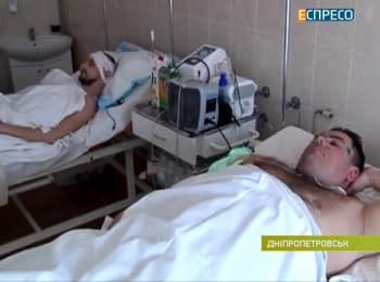 """Як лікарі """"піднімають на ноги"""" бійців у Дніпропетровську"""