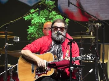 """Grebenshchikov sang a song dedicated to journalists who have to """"lie 24 hours a day, 7 days a week"""""""