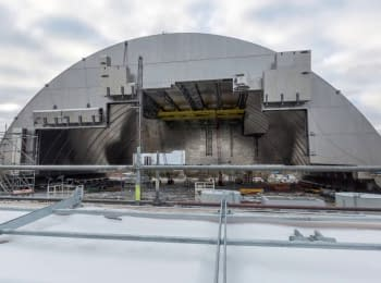 "Timelapse of the impending Arch on the object ""Shelter"" of the 4th unit of the Chernobyl ES"